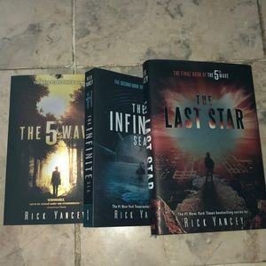 The Fifth Wave Trilogy Book Series